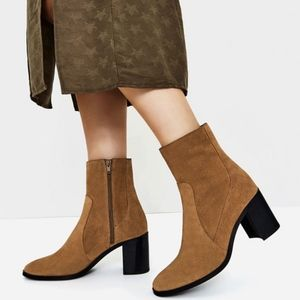 Zara    Tan Suede Ankle Heeled Boots